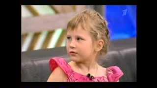 1.Диана Козакевич помогает глухонемому мальчику
