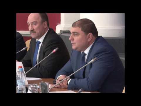 Вадим Потомский пытается ответить на неудобные вопросы. Заседание ОблСовета 3.04.17
