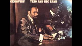 MERL SAUNDERS TRIO AND BIG BAND (U.S) - Soul Roach (instr.)