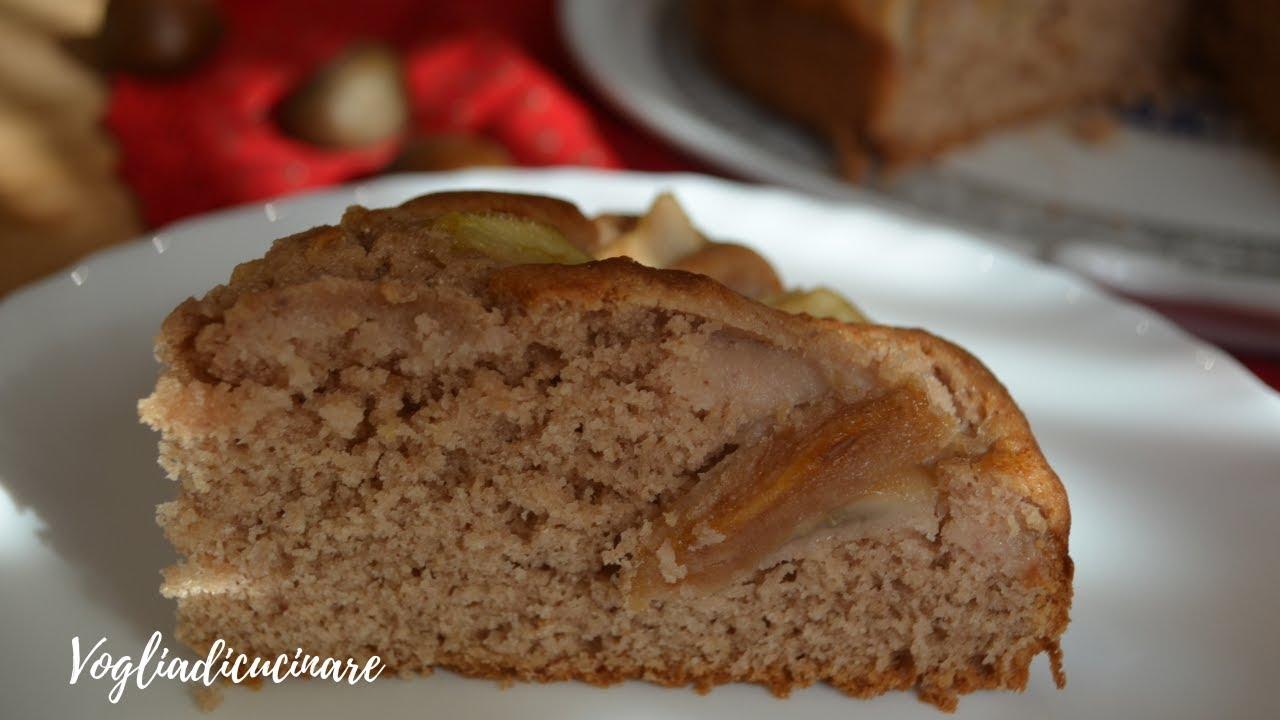 Torta di pere caramellate con farina di castagne