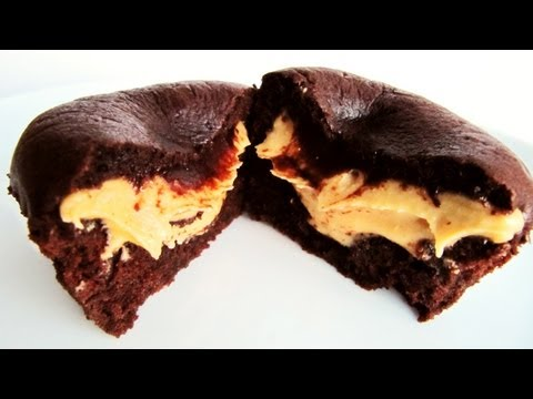 How To Make Self-filled Chocolate Peanut Butter Cupcakes: Easy Recipe