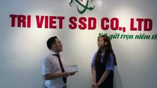 Trao quà cho bạn Hà Kiều du học sinh Hàn Quốc đạt TOPIK 6