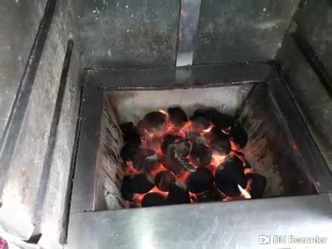 Fazendo carvão no