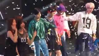 [HD/FANCAM] 160730 KCON LA Day 1 Ending (SHINee Focus)