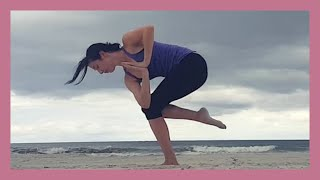 Beach Yoga Flow for Glutes & Balance {15 min}