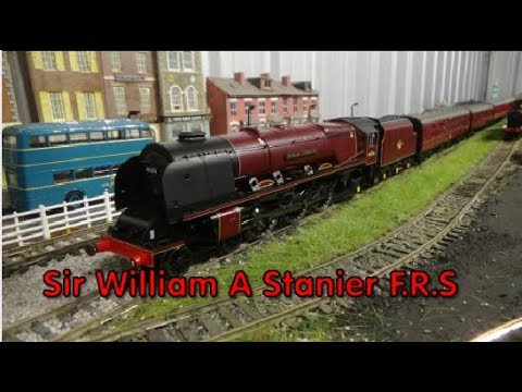 Hornby R3555 'Sir William A Stanier F.R.S' Princess Coronation Class Unboxing and Review