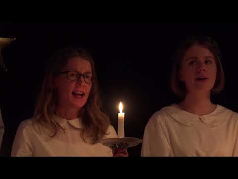 Lucia på campus med Umeå Studentkör / Lucia with the Umeå Student Choir