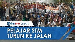 Download lagu Viral Gerombolan Anak STM Ikut Demo di Gedung DPR Banyak yang Apresiasi hingga Trending Twitter MP3