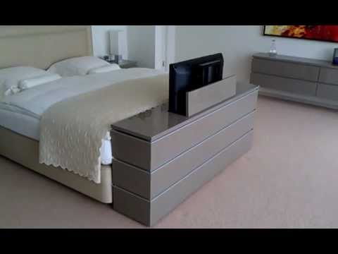 tv lift meubel aan voeteneinde bed youtube. Black Bedroom Furniture Sets. Home Design Ideas