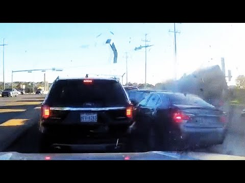 #020 A selection of road crashes in the USA