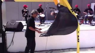 Roberto Narain launches a Hyundai Construction Equipment  24 SEPT 2011 .MP4