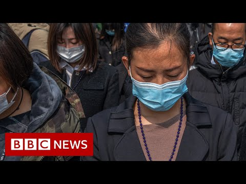 Coronavirus: China stops for three minutes to remember the dead - BBC News