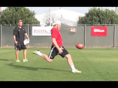 Specialists Pro Combine | Punt Competition | Kohl's Kicking Camps