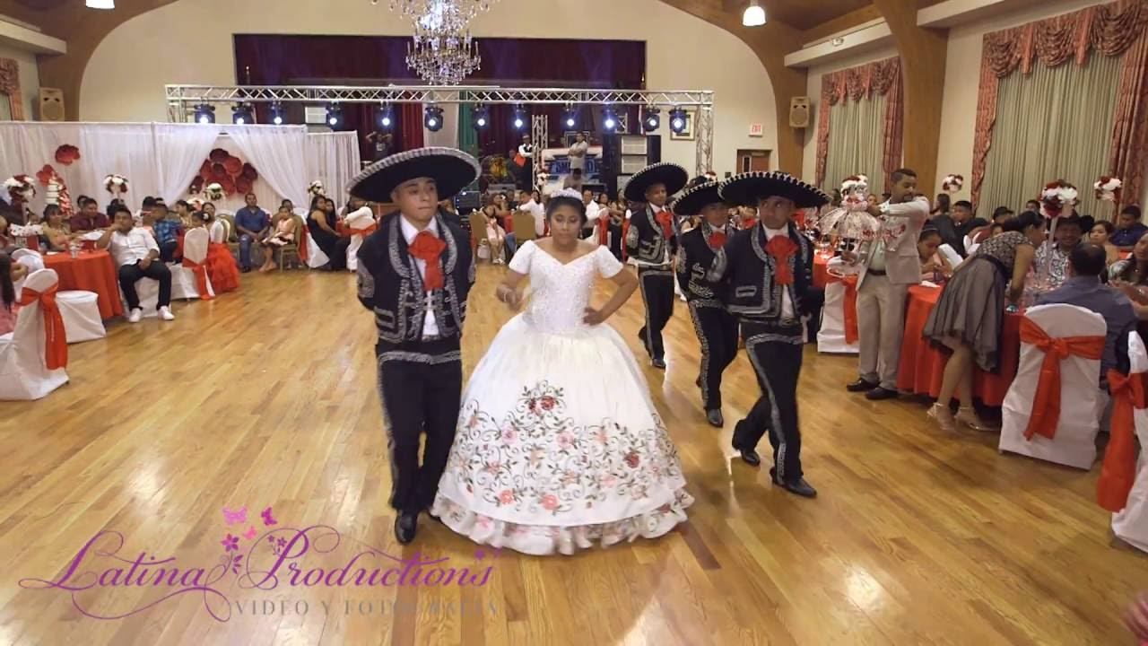 Quinceanera Traditionen