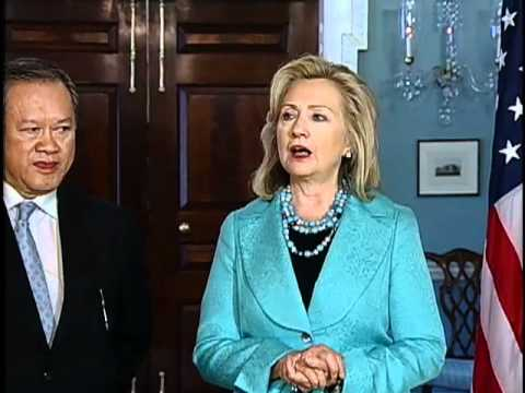 Secretary Clinton Meets With Brunei Minister of Foreign Affairs Seng