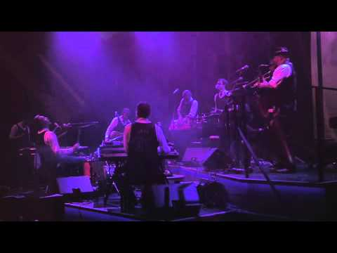 Hess Is More: Bearsong (Live at The Royal Theatre in Copenhagen)
