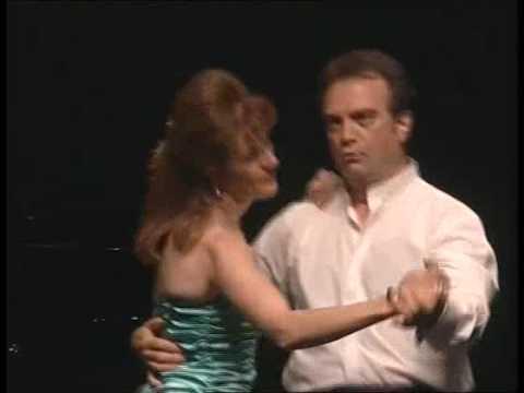 Jesús Lumbreras y Ana Mª Ramos cantan el Dúo de An...