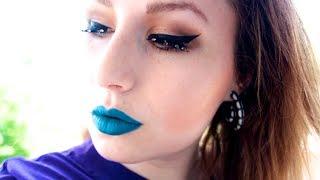 LOOK: BLUE LIPSTICK TREND Thumbnail