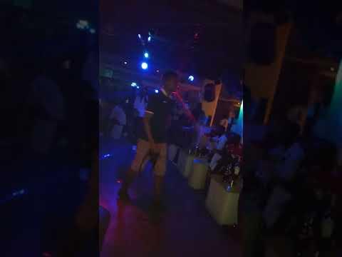 Yung kesh Performing Ajigi Jaga… Summer plug 🔌
