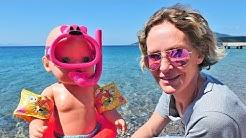 Nicole geht mit Baby Born an den Strand - Spielzeugvideo für Kinder