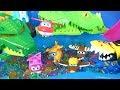 Harika Kanatlar Canavar Arabaların Orbeez Tuzağına düştü Orbeez Havuzunda Oyuncak Kaydırak Eğlencesi