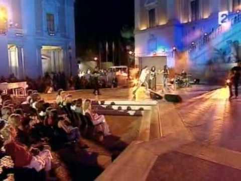 Laura Pausini - Tra Te E Il Mare [Live With Biagio Antonacci Dolce Italia 03]