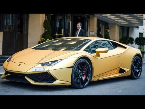 Super-rich Saudi arrives in London with fleet of gold cars