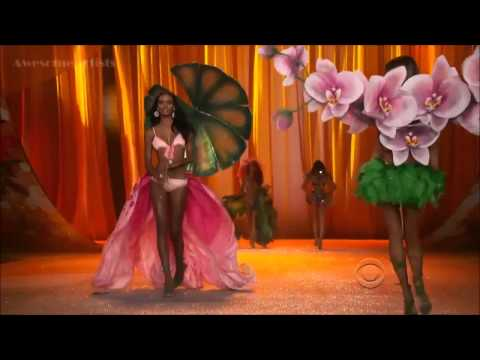 Rihanna - Phresh Out The Runway - Victorias Secret Fashion Show 2012