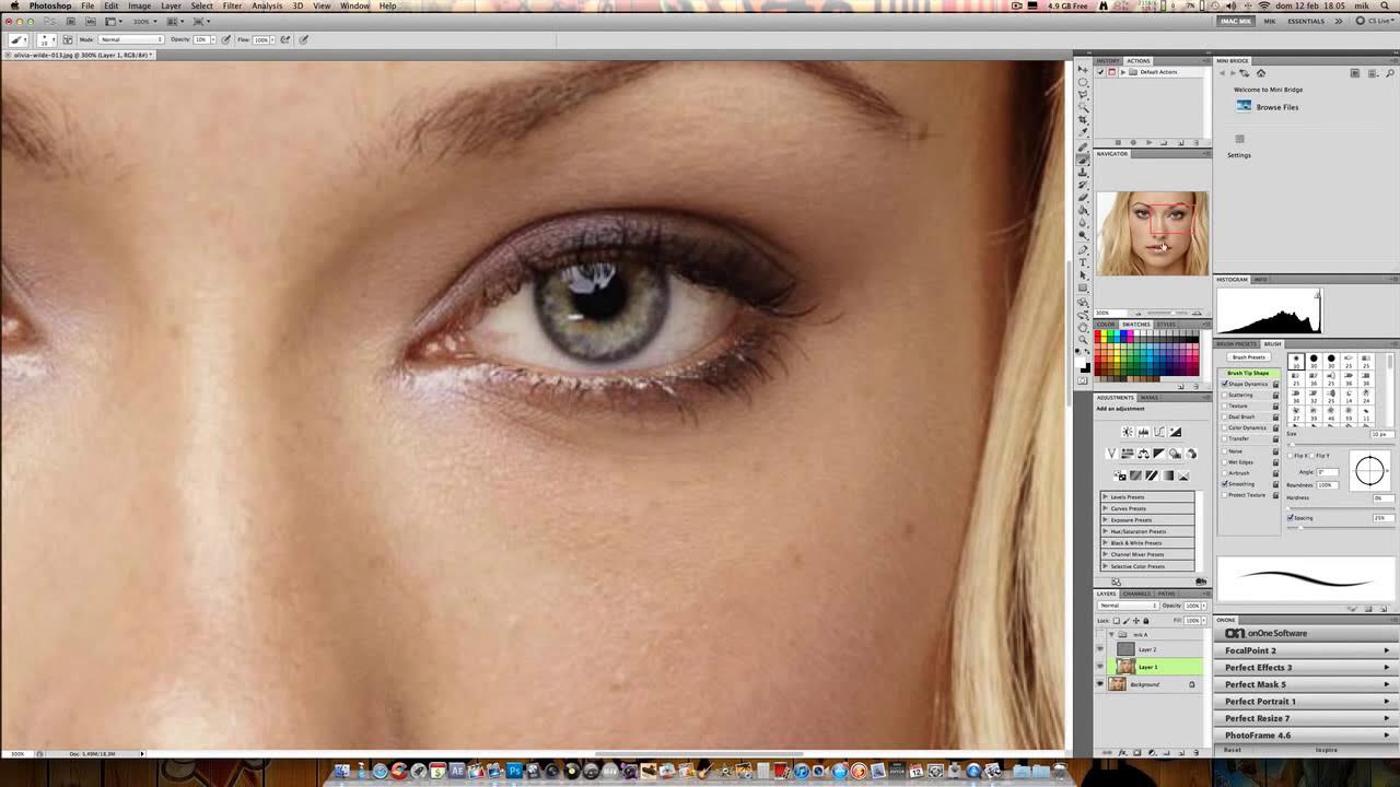 Fotoritocco professionale pulizia viso e trucco youtube for Fotoritocco