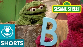 Sesame Street: Oscar Accidentally Helps Telly (Letter of the Day)
