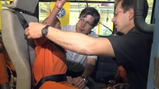Crashtest mit einem Minibus