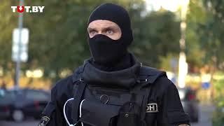 Омоновцы задержали 15ти летнего парня и угрожают всем гранатой