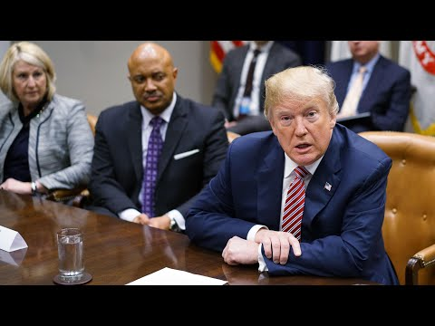 Donald Trump: give teachers who carry guns a bonus
