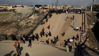 ستديو الآن | #العراق يفتح جسرا عائما جديدا على نهر دجلة للفارين من #الموصل