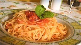 Как приготовить спагетти из помидорами и базиликом Италия