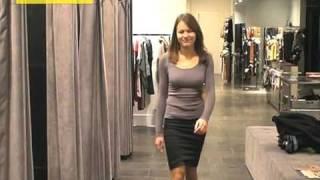 eksperimentas rengiame merginą firminėje ir dėvėtų drabužių parduotuvėse