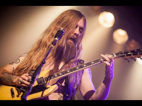 KADAVAR - Into The Wormhole - (HQ sound live)