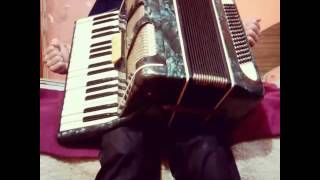 Урок игры на аккордеона урок #3
