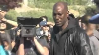 Repeat youtube video VIDEO DE TYRESE GIBSON LLORANDO EN EL LUGAR DONDE MURIO PAUL WALKER