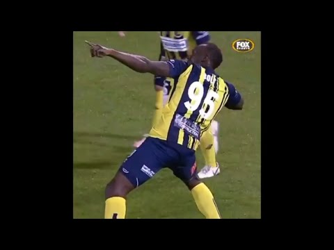 Usain Bolt Scores First Professional Goal for Coast Marriners