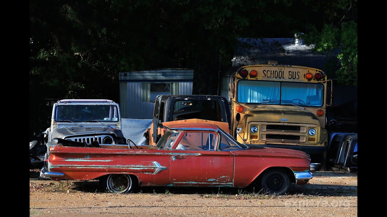 Exploring OLD Abandoned Classic Cars, Trucks, Wreckers - YouTube