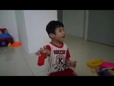 Surah Taha - Ayat 1-8.. 3 years old. Ahmad Aqeel