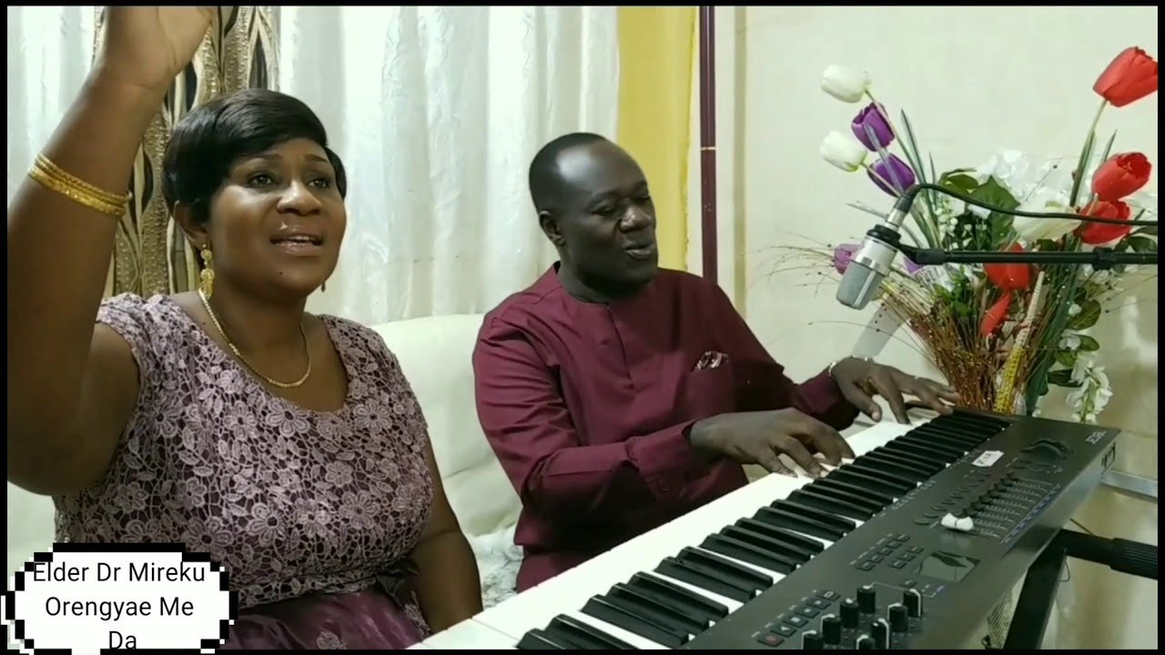 HOW TO PLAY GHANAIAN WORSHIP SONGS ON PIANO ( strings and diminished chords)