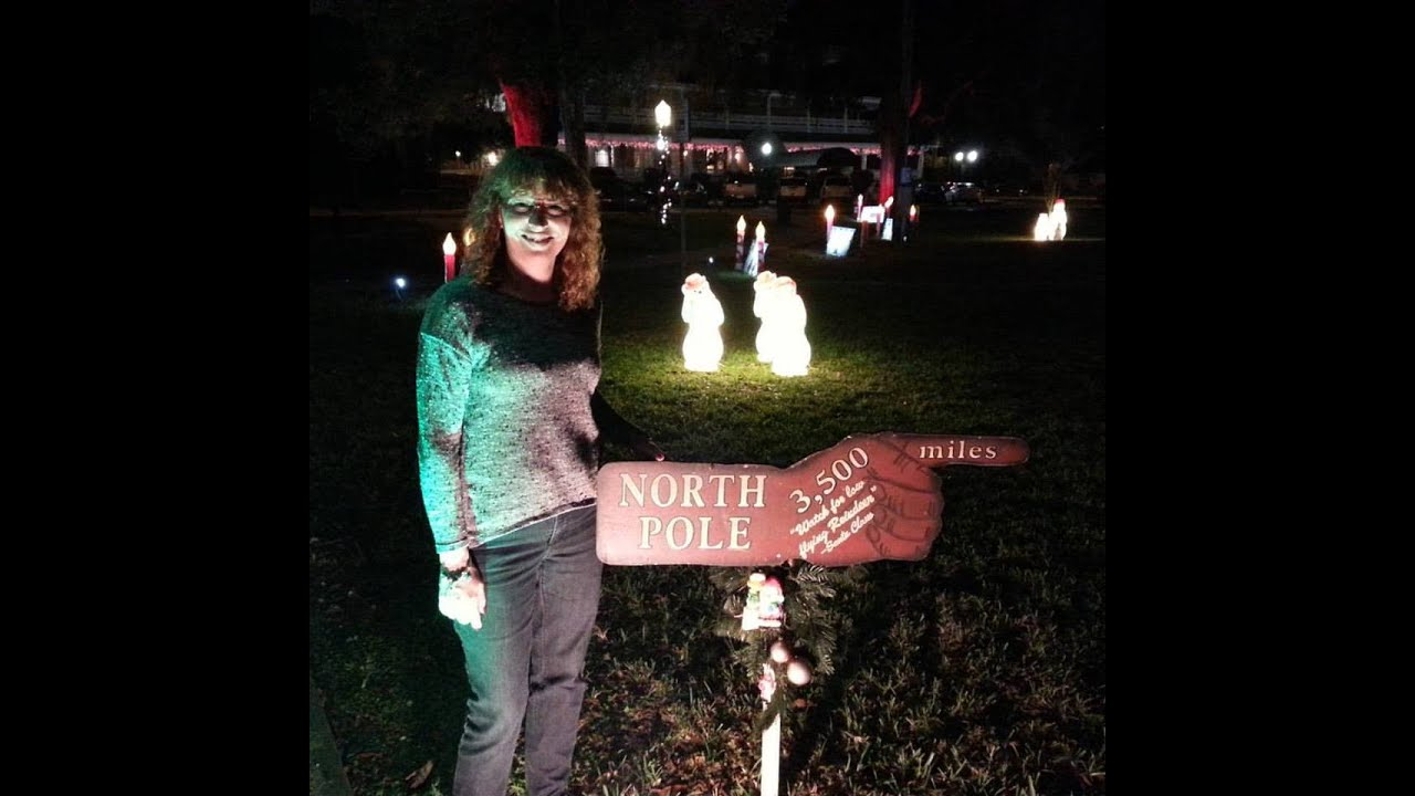 Visiting Downtown Dade City Christmas Lights - YouTube