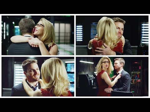 who is felicity smoak dating in real life
