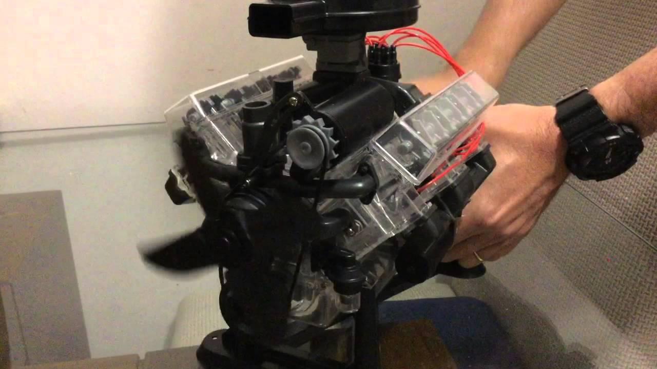 V8 visible engine - Mauricio Pontes
