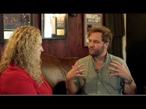 David Phelps - It Must Be Christmas - Gaither Music Interview Mp3