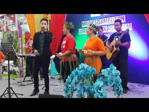 Dj Nasional Fm Nyanyi Lagu Dialek Org Asli Feat Gombak Buskers,ulang Thn Asyik Fm Ke 57