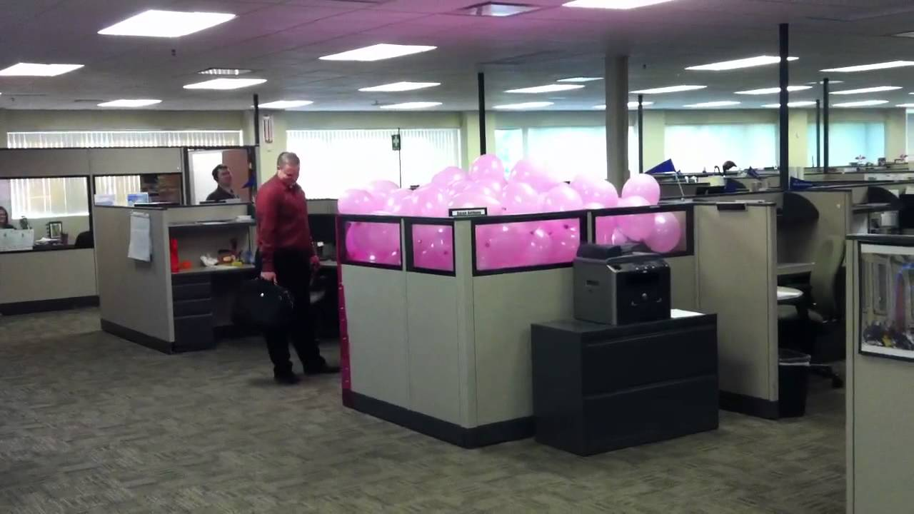 Office Prank Cubicle Full Of Pink Balloons Youtube