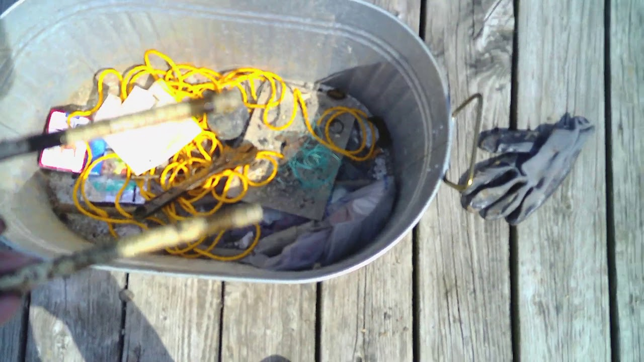 Download Magnet Fishingat a Small Lake Dock - Part Two Lake Finds